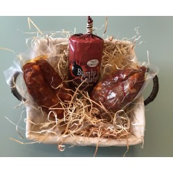 Basket with Calabrian handicraft products