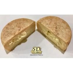 Fatia de queijo pecorino calabresa temperada